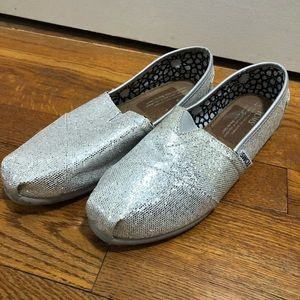 silver sparkly toms NEW!!